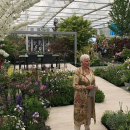 To finish of this #RHSChelsea2019 we thought we would show you guys this photo of Judie Dench in the @hilliergarden garden designed by @lillygomm next to our Pebble Grey Polystone Bowl! We #LOVE!